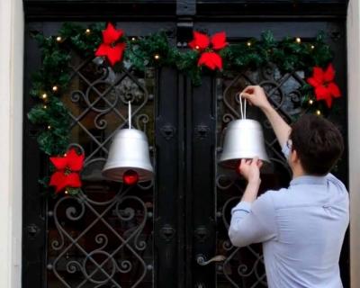 Como fazer um sino de Natal com um vaso