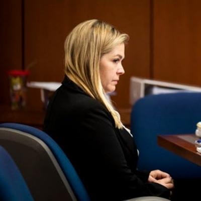 Juíza de vara de família é afastada sob acusação de ter feito sexo a três em tri