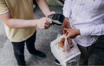 Você pede comida em casa? Fique atento ao 'Golpe do Delivery'!