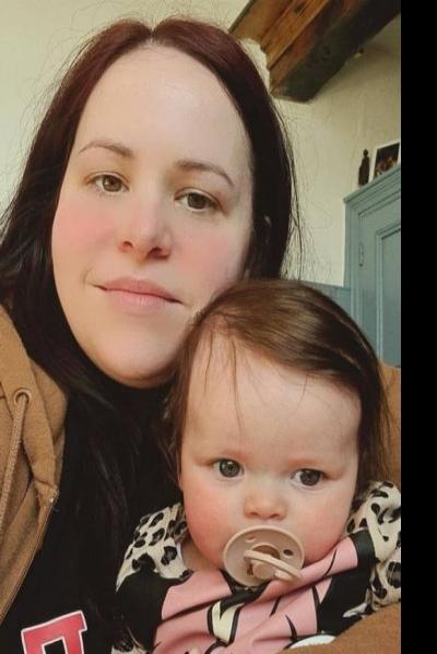 eBaby: britânica compra kit na web, recebe sêmen de doador em casa e engravida