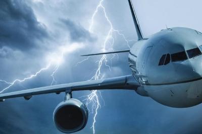 Tempestades de radiação representam risco para a saúde nas viagens aéreas