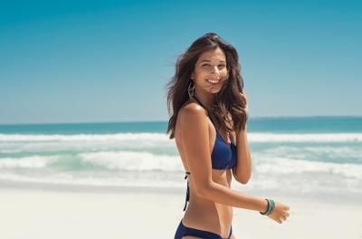 Como cuidar dos cabelos contra o ressecamento no verão