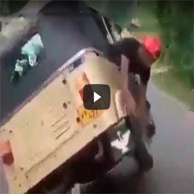 Trocando pneu com veículo em movimento