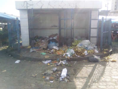 Uma vergonha este depósito de lixo