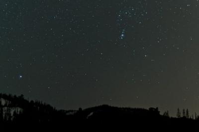 Alienígenas podem estar usando luz estelar para se comunicar, diz físico