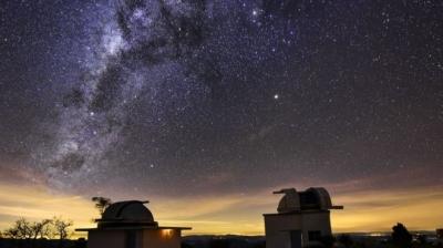 Poluição luminosa de grandes cidades faz estrelas 'desaparecerem' do céu e pesqu