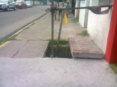 Perigo na calçada