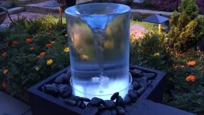 Como construir um redemoinho de água