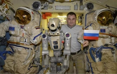 Robô humanoide Russo retorna à Terra após visita à ISS