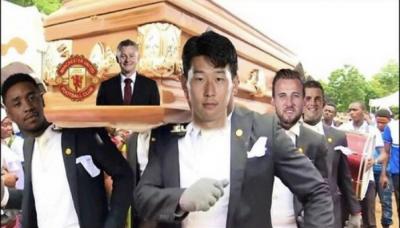 Liverpool não deixa United andar sozinho