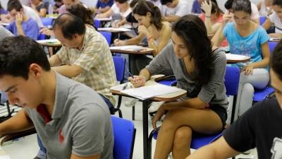 Volta às aulas colocam em risco 9,3 milhões de adultos e idosos