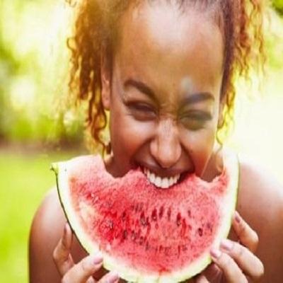 Saiba o que comer nos dias mais quentes do ano