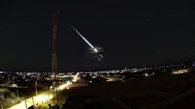 Meteoro brilhante é visto no céu do Nordeste