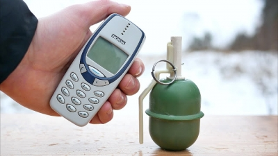Nokia vs Granada de mão, quem ganha?