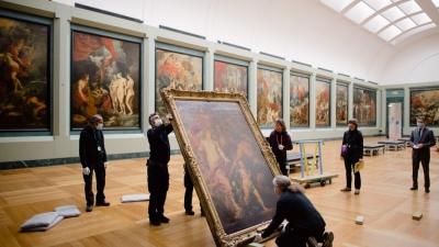 Louvre aproveita o fechamento do museu para fazer restaurações