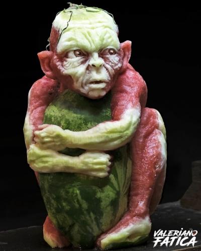 Artista usa alimentos para fazer suas esculturas