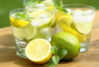 Água com limão: conheça os benefícios do consumo diário