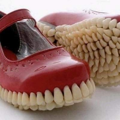 Sapatos femininos diferentes