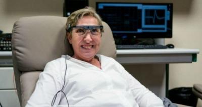 Implante de Retina Conectado ao Cérebro Faz Mulher Voltar a Enxergar Após 15 Ano
