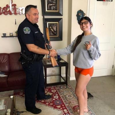 Qualquer homem gostaria de prender.