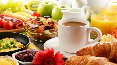 Pular o café da manhã pode matar?