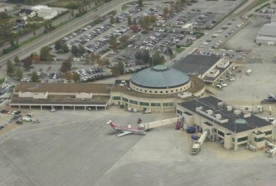 Sabe qual é o 1⁰ aeroporto dos EUA totalmente movido por energia solar?