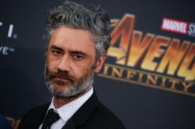 Taika Waititi coloca Akira em pausa para dirigir novo filme do Thor
