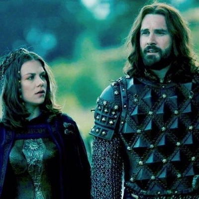Vikings: A triste história por trás da atriz que interpretou a esposa de Rollo n