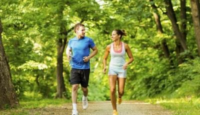 Como exercícios ao ar livre ajudam contra o coronavírus