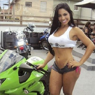 Você prefere a mulher ou a moto?