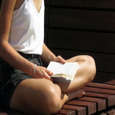 Postura correta: dicas de um profissional e exercícios para mantê-la