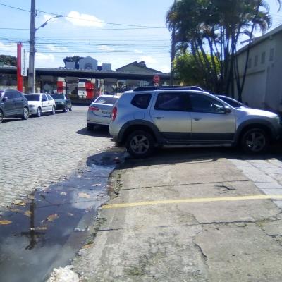 Estacionamento irregular x Galeria entupida