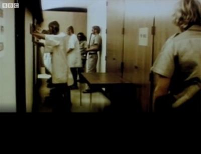 O controverso 'Experimento de Aprisionamento de Stanford', interrompido após sai