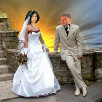 O bizarro uso do Photoshop em fotos de casamentos