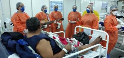 Música alegra pacientes de hospital