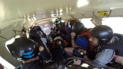 Paraquedista filma acidente de seu próprio avião