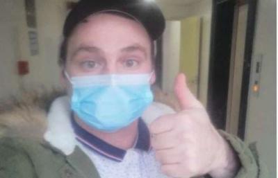 Britânico afirma ter se curado do coronavírus com uísque e mel