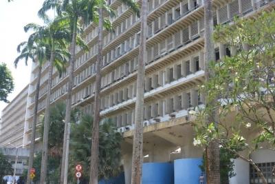 Hospital das Clínicas recebe paciente de Manaus com Covid-19