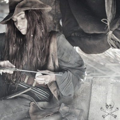 Black Sails: A história real de Anne Bonny, capitã irlandesa mais famosa do Cari