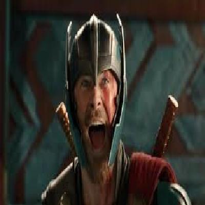 exclusivo Loki personagem do filme thor saindo do armário