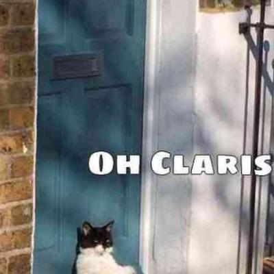 Deixa ele entrar, Clarisse!