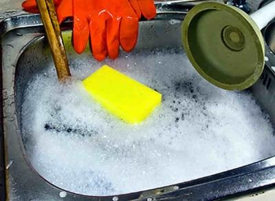 Três técnicas simples para desentupir a pia da cozinha