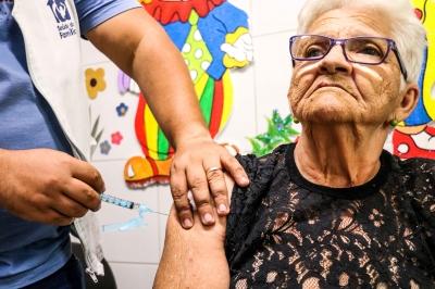 Vacinação dos idosos contra gripe é nesta segunda