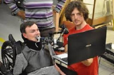 Controle adaptável permite tetraplégicos jogarem PS4