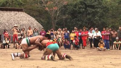 Conheça o Huka-Huka, a arte marcial do Xingu