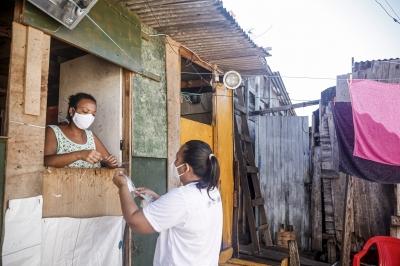 Ações contra covid porta a porta. chegam a novos locais do Recife