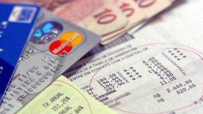 Endividamento de famílias bate recorde