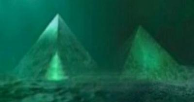 Descobertas duas pirâmides no centro do Triangulo das Bermudas