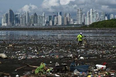 O custo social do plástico de 2019 foi maior do que o PIB da Índia