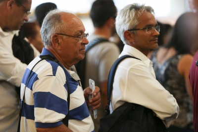Sem regra para consignado, bancos mantêm assédio a idosos